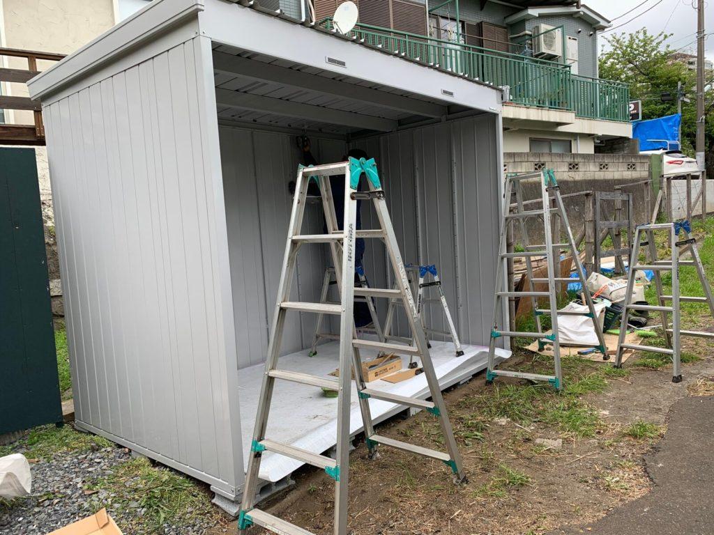 防災倉庫 改修中